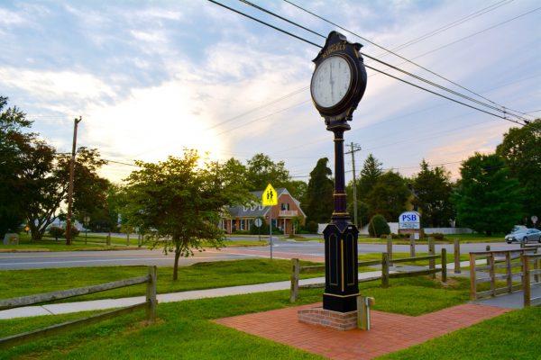 Clock - Ridgely Scenic 1